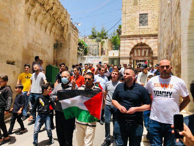 وقفة أمام الحرم الإبراهيمي رفضا لمنع الاحتلال إصلاح مكبرات الصوت