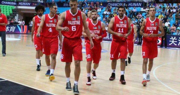 منتخب فلسطين للسلة يخسر أمام الأردن بفارق 3 نقاط