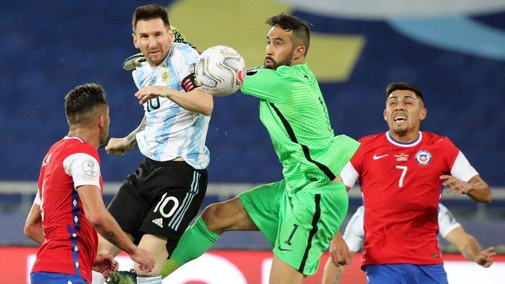 ميسي يعترف بالتقصير بعد التعادل مع تشيلي