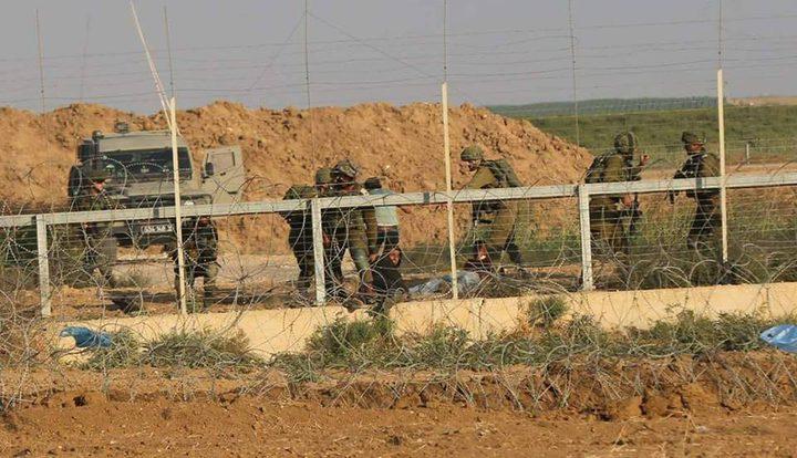 الاحتلال يعتقل 3 فلسطينيين بزعم أنهم تسللوا من قطاع غزة