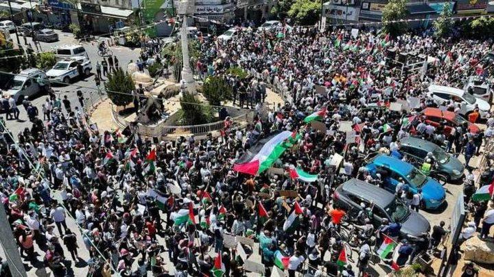 مسيرات ووقفات إسنادية في محافظات قطاع غزة رفضاً لمسيرة الاعلام