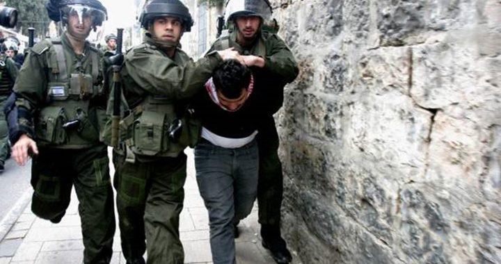 القدس: الاحتلال يعتقل مواطنين ويعتدي على أحدهم في راس العامود
