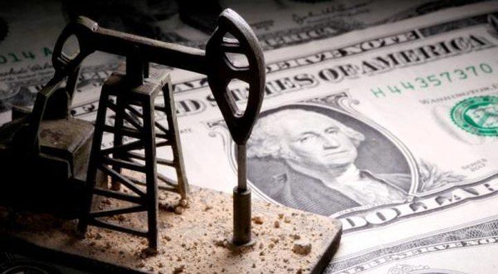 انخفاض أسعار النفط مع صعود الدولار