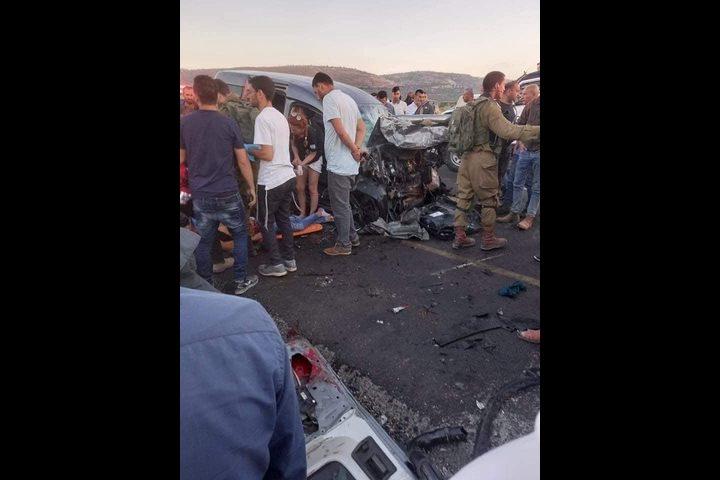 وفاتان في حادث سير بين مركبة فلسطينية وأخرى لمستوطنين