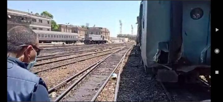 إصابات في حادث تصادم قطار مع جرار في محطة الاسكندرية