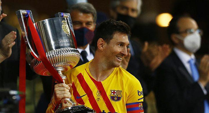 ميسي يقبل الاستمرار مع برشلونة