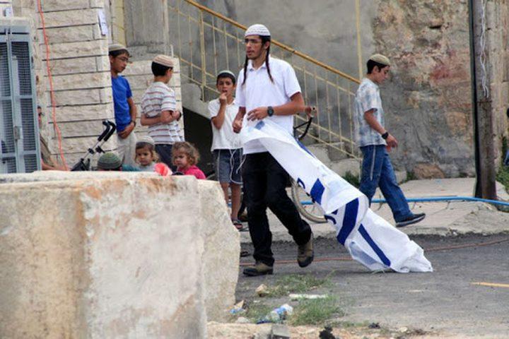 مستوطنون يغلقون شارع القدس -الخليل جنوب بيت لحم