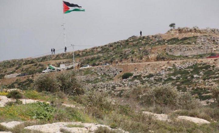 الاحتلال يغلق الطرق المؤدية إلى جبل صبيح في بيتا