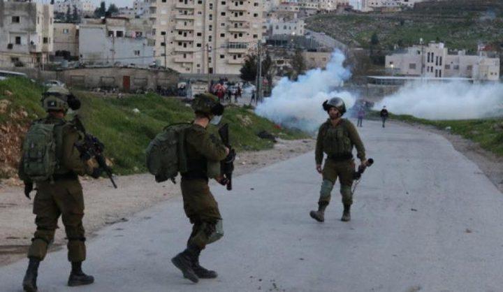 نابلس: اصابة شابين برصاص الاحتلال خلال مواجهات في بيتا