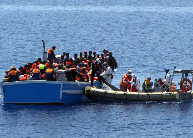 السلطات المغربية تحبط محاولة هجرة غير شرعية ل54 شخصاً