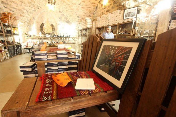 """الخليل: افتتاح معرض """"حكايا سوق"""" في البلدة القديمة"""
