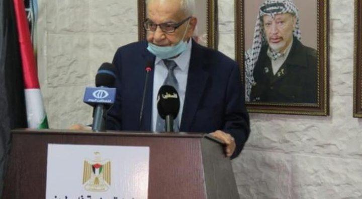 منح السفير الراحل محمود الخالدي وسام الاستحقاق السوري