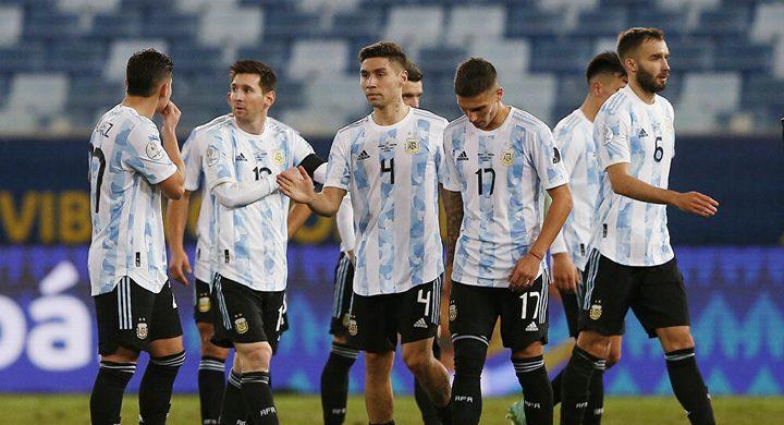 ميسي يتألق ويسجل هدفين في مباراة الأرجنتين وبوليفيا