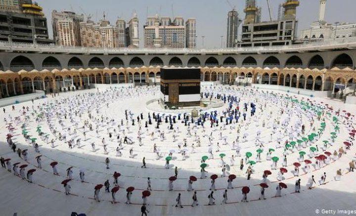 السعودية تقرر منع العاملين في موسم الحج المقبل من أداء المناسك