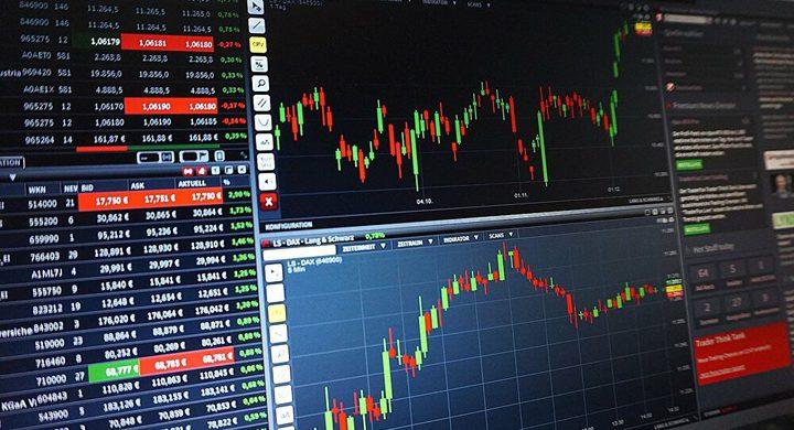 الأسهم العالمية تتراجع مع ظهور بؤر وبائية جديدة
