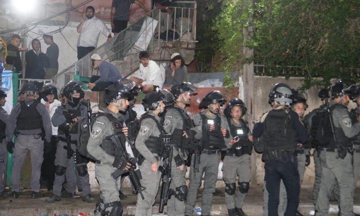 مستوطنون يعتدون على أهالي حي الشيخ جراح في القدس