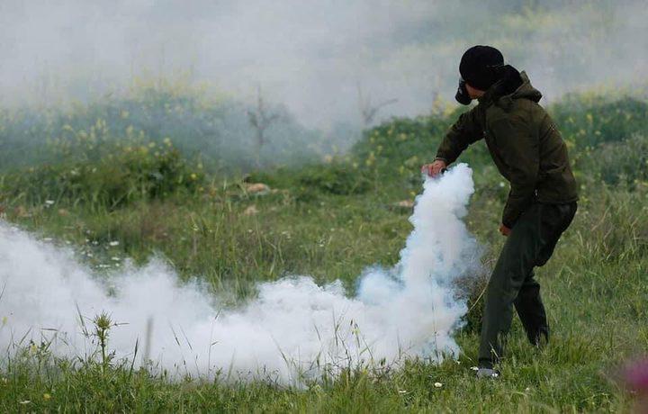 إصابة شاب برصاص الاحتلال خلال مواجهات جنوب نابلس