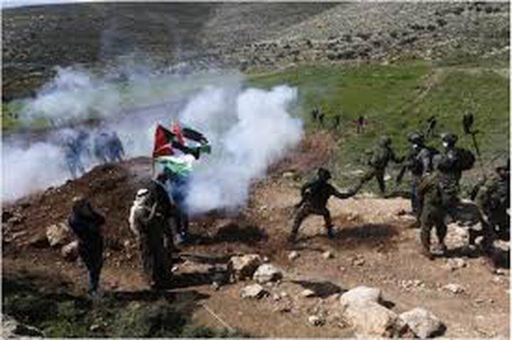 قوات الاحتلال تقمع مسيرة بين دجن شرق نابلس