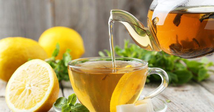 فوائد صحية مذهلة لشرب الشاي الأخضر بالليمون