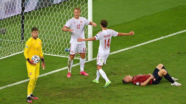الدنمارك تتغلب على التشيك وتتأهل إلى نصف نهائي أمم أوروبا