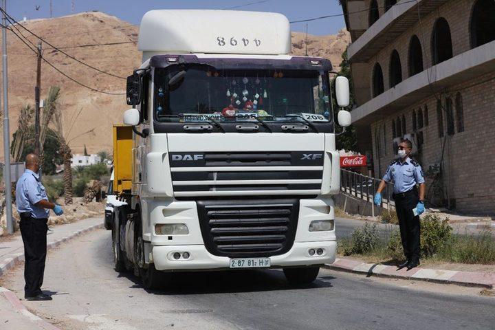 بيت لحم: الشرطة تضبط 3 شاحنات محملة بنفايات إسرائيلية لإفراغها