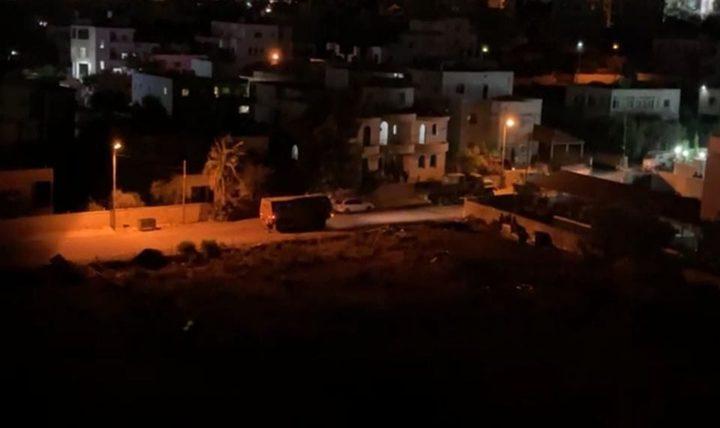 الاحتلال يقتحم ترمسعيا ويستعد لهدم منزل الأسير منتصر شبلي