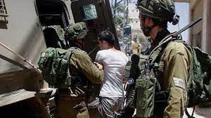 الاحتلال يعتقل 10 مواطنين من الضفة بينهم سيدة وطالبة جامعية