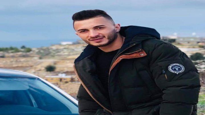 أسيران يعلنان الإضراب عن الطعام تضامنا مع الأسير أبو عطوان