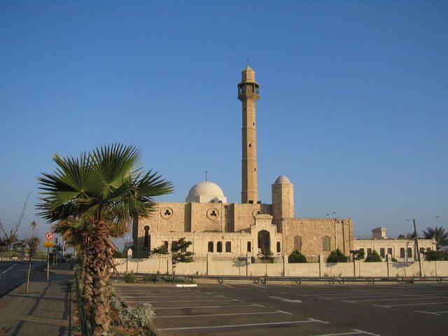 اعتداء على مسجد حسن بك في يافا