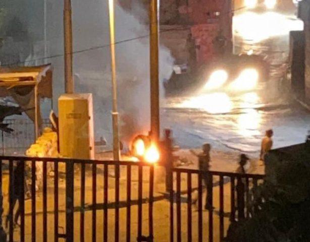 شبان يحرقون كاميرات تابعة للاحتلال في بلدة سلوان