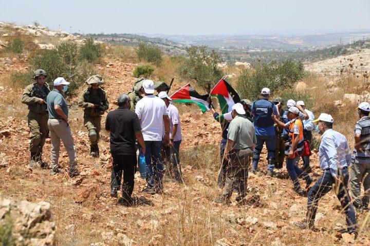 قوات الاحتلال تقمع فعالية ضد الاستيطان غرب سلفيت