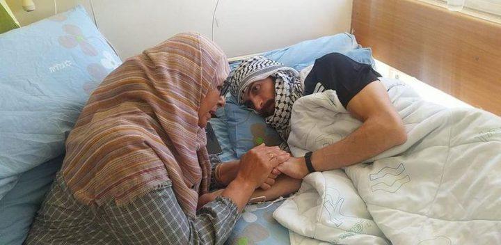 الأسير المحرر الغضنفر يصل المستشفى الاستشاري في رام الله