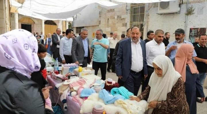 افتتاح بازار التسوق لإحياء البلدة القديمة بالخليل