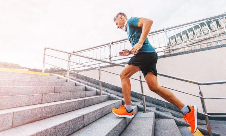 ما هو تأثير صعود الدرج يوميا على جسم الإنسان؟