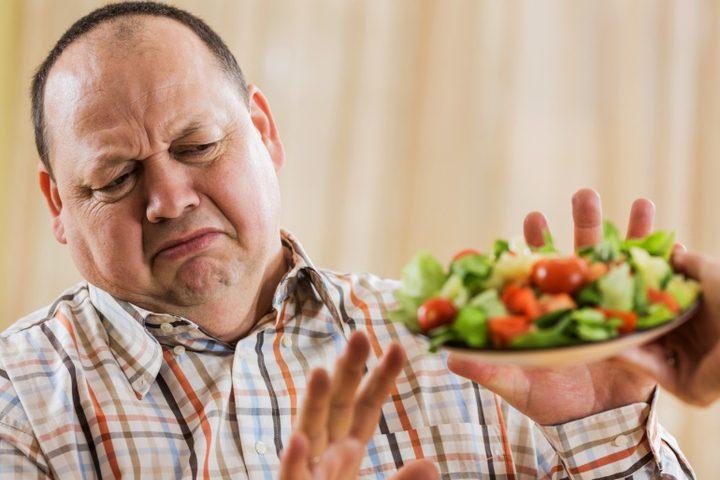 ما هي الأطعمة التي عليك تجنبها عند الإصابة بالتهاب المفاصل ؟