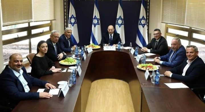 الكابينت يصادق على خصم597 مليون شيقل من عائدات الضرائب الفلسطينية