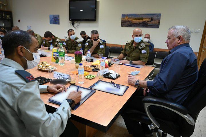غانتس يُوجه بمراقبة الإشراف على إعادة إعمار غزة
