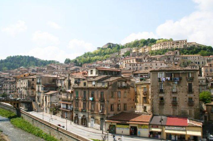 33 ألف دولار لـ3سنوات لمن ينتقل للعيش في هذه القرى الإيطالية