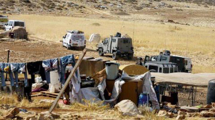 """الاحتلال يهدم 5 مساكن وخيام في تجمع """"القبون"""" البدوي شمال رام الله"""