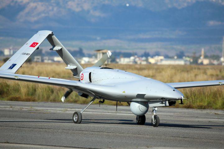 """أوكرانيا تتسلم أول طائرة مسيرة تركية من طراز """"بيرقدار تي بي 2"""""""