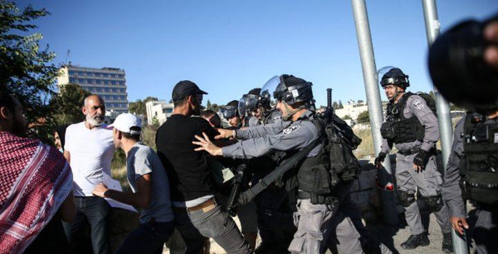 الاحتلال يقمع وقفة اسناد لأهالي حي الشيخ جراح وسلوان
