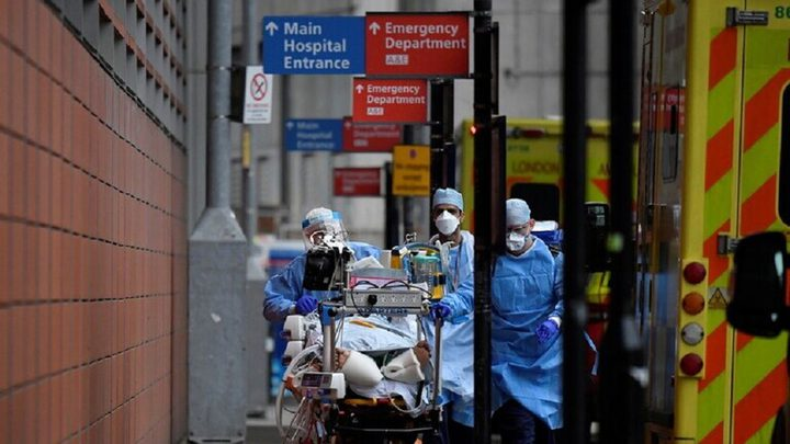 بريطانيا تسجل تراجعا طفيفا في إصابات ووفيات كورونا اليومية