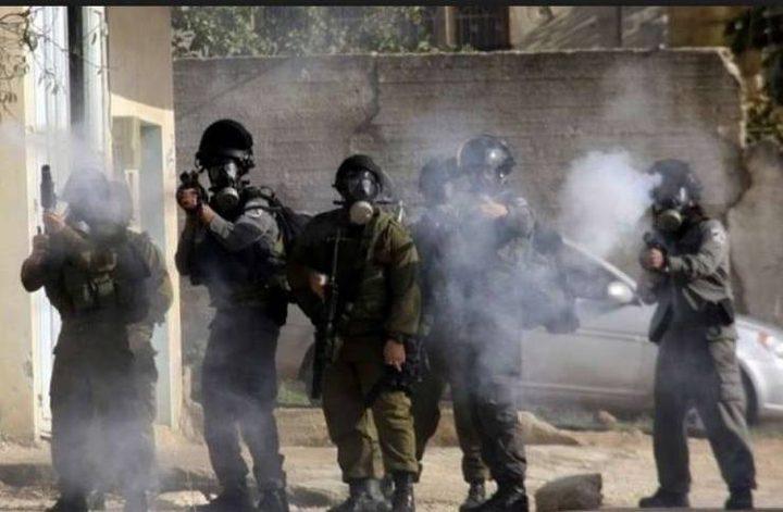الاحتلال يصيب عشرات المواطنين بالاختناق في جبع جنوب جنين