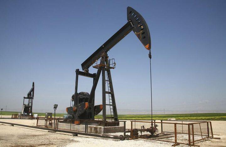 النفط يصعد رغم وجود بيانات أمريكية غير متوقعة