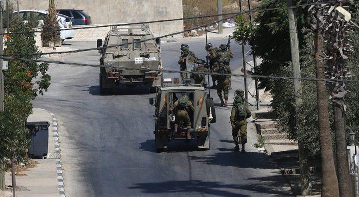 الاحتلال يصيب مواطنا ويعتقل 3 آخرين من بيتا جنوب نابلس