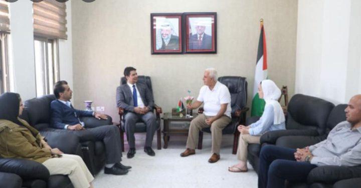 البكري يطلع القنصل العام المصري على أوضاع محافظة الخليل