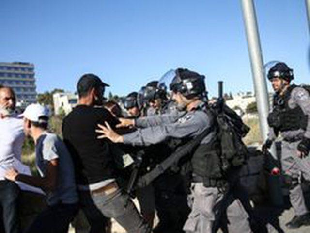 الاحتلال يعتقل شابا في حي الشيخ جراح
