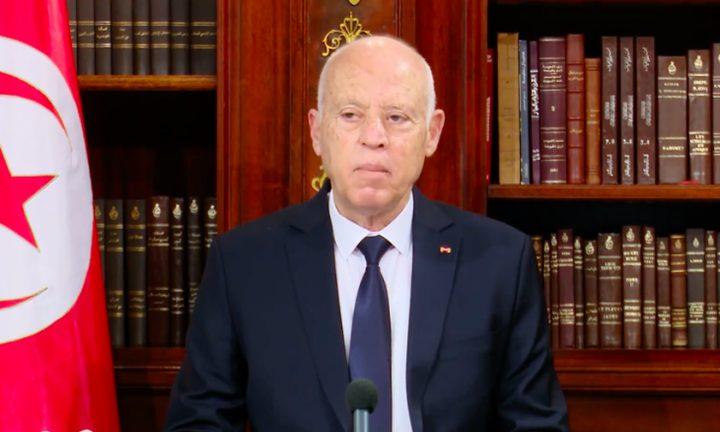الرئيس التونسي يصدر أمراً رئاسياً يقرر فيه إعفاء رئيس الحكومة