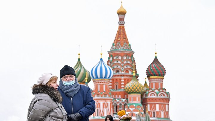 تراجع في معدل الإصابات اليومية بفيروس كورونا في روسيا
