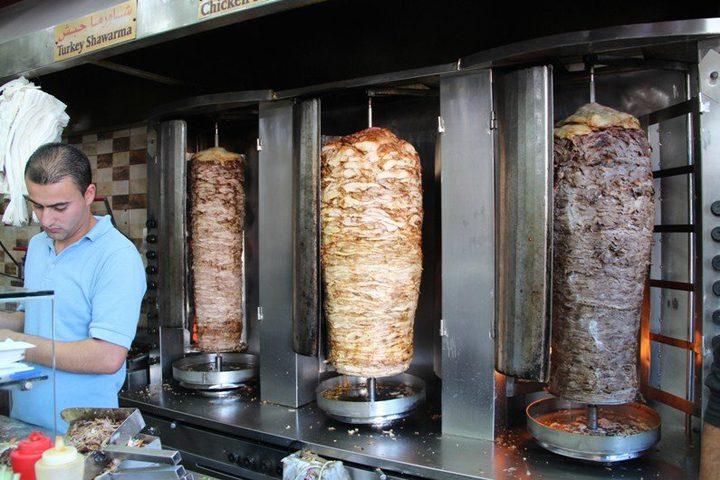 توضيح حول إغلاق أحد مطاعم الشاورما بمدينة غزة